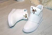Женские весенние ботинки, цвет белый