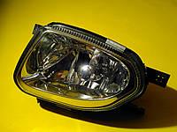 Фара противотуманная левая Mercedes w211/906 A2118200556 Mercedes