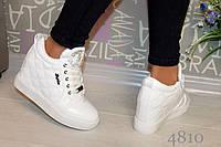 Женские весенние короткие ботинки  эко кожа, цвет белый
