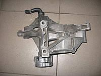 Натяжитель ремня генератора 028903143AB б/у 1.9TDI, SDI на Audi, Seat, VW   1993-2003 год