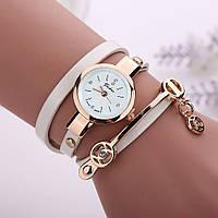 Женские часы-браслет на длинном ремешке (белые)