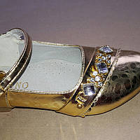 Красивые туфли для девочки