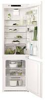 Холодильник встраиваемый с морозильной камерой Electrolux ENN2874CFW