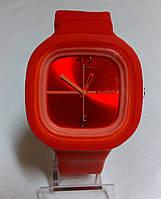 Часы наручные Swatch красные