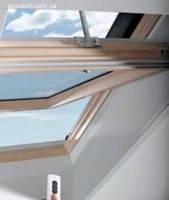 Мансардные окна Designo RotoTronic R4/R6  114/118 деревянное
