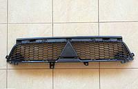 Решетка радиатора на Mitsubishi Outlander XL (2010-2012)