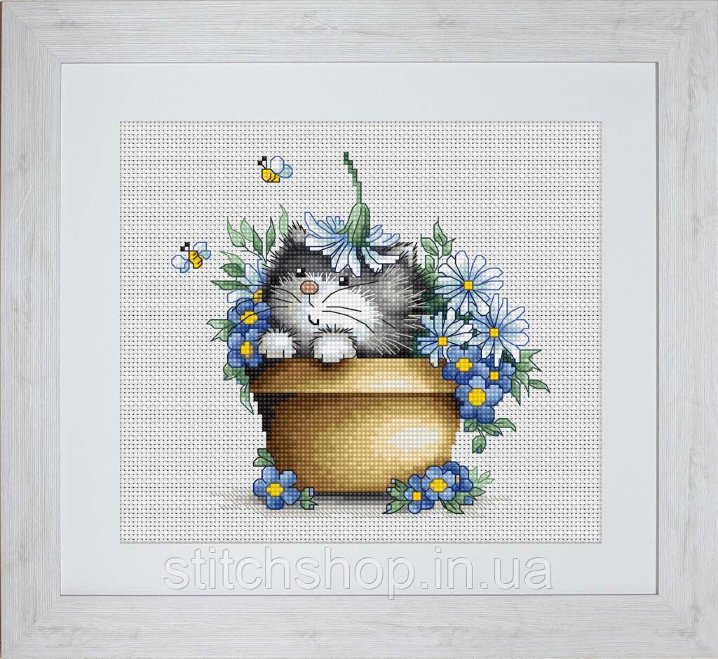 B1048 Котенок в цветах. Luca-S. Набор для вышивания нитками