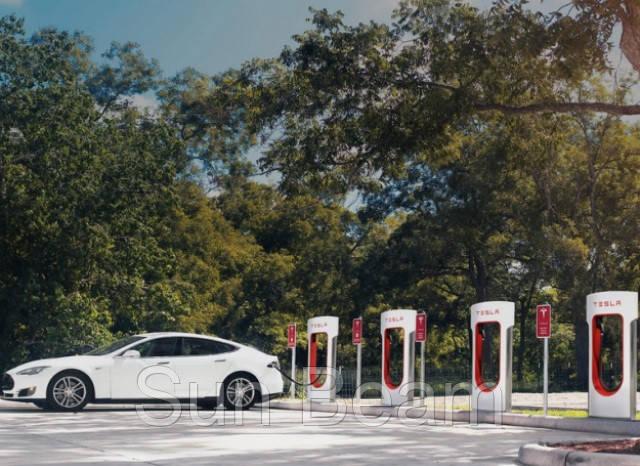 В 2017-му Tesla збудує швидкісні зарядки біля Львова і Житомира