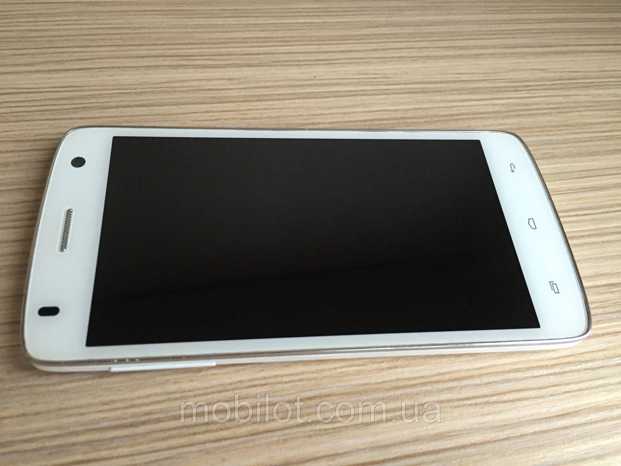 Мобильный телефон Fly IQ4503 Era Life 6 White (TZ-1067)