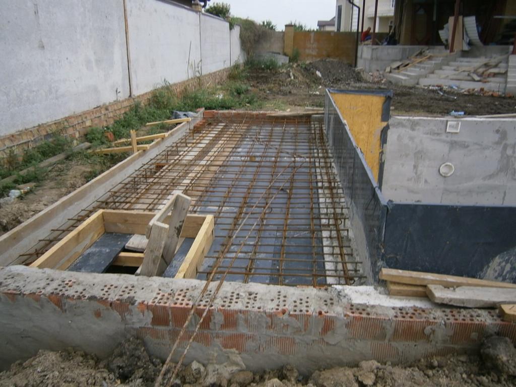 Изготовление бетонного перекрытия над техническим приямком.