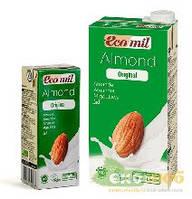 Молоко из миндаля с сиропом агавы