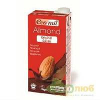 Молоко из миндаля с сиропом агавы и какао
