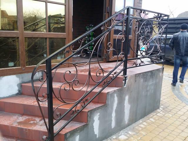 Кованые перила ручной работы в Киеве -1