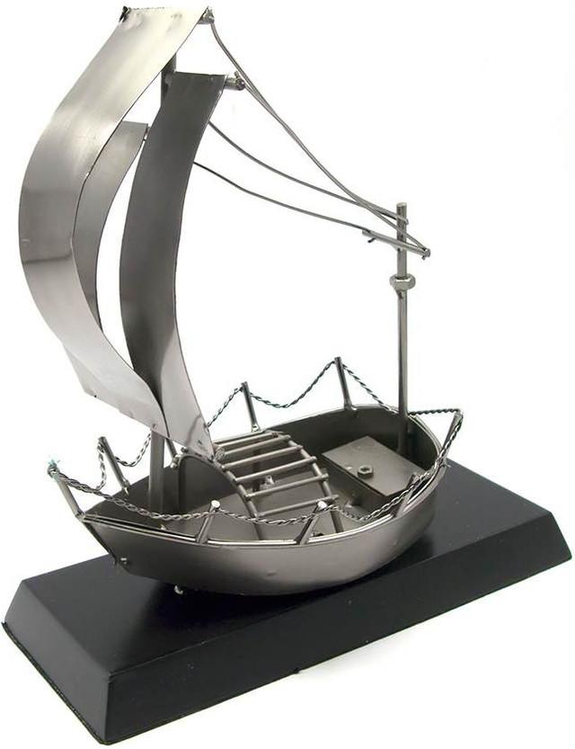 Парусник из металла, подарок в стиле техно-арт