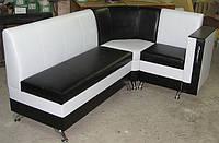 Кухонный уголок с баром в подлокотнике, фото 1