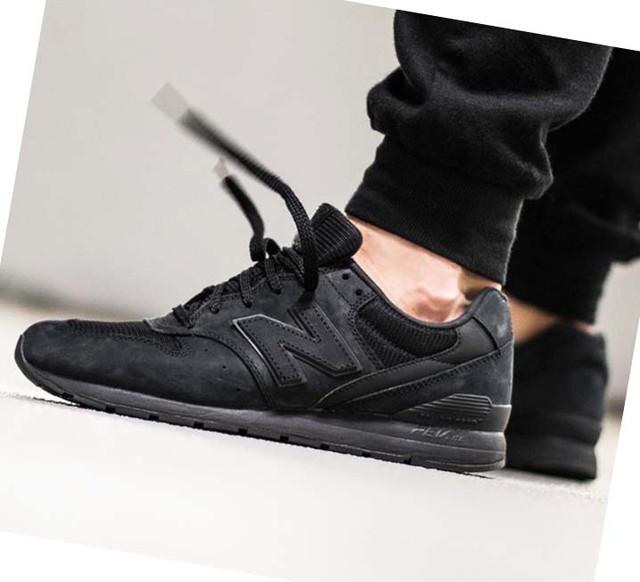 Чёрные мужские кроссовки New Balance фото