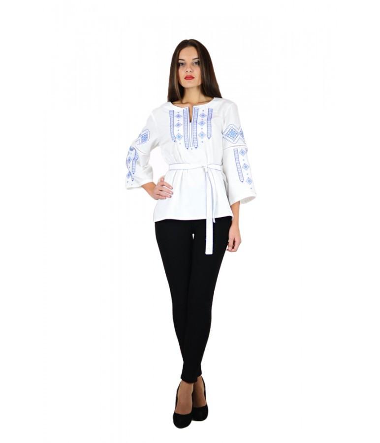 Вышитая женская рубашка с голубой вышивкой «Традиция» M-211-6 44