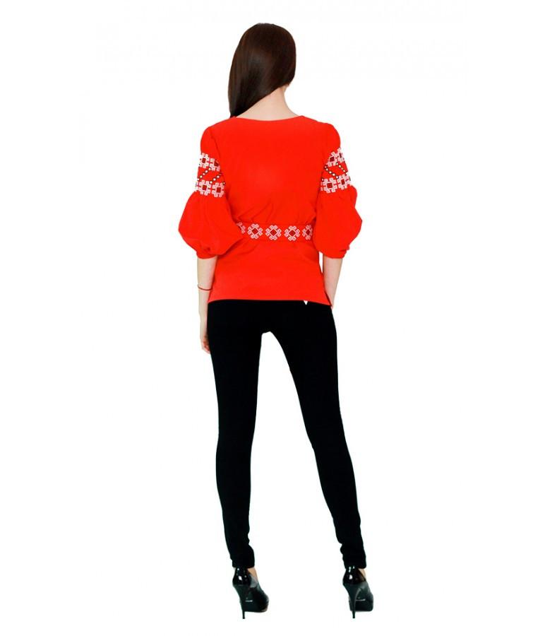 Вышитая женская рубашка с четвертным рукавом красная М-218