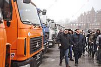 Коммунальщики Днепра устроили выставку новой техники