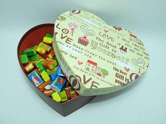 Жвачка Love is ассорти в подарочной упаковке 70 шт