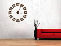 Часы из дерева настенные с резными римскими цифрами диаметр 70 см