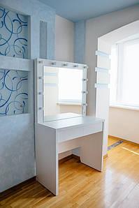 Стол для визажиста с двумя ящиками и зеркалом с подсветкой