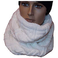 Вязаный шарф - снуд молочно - белого цвета