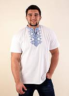 Белая футболка синим классический орнаментом