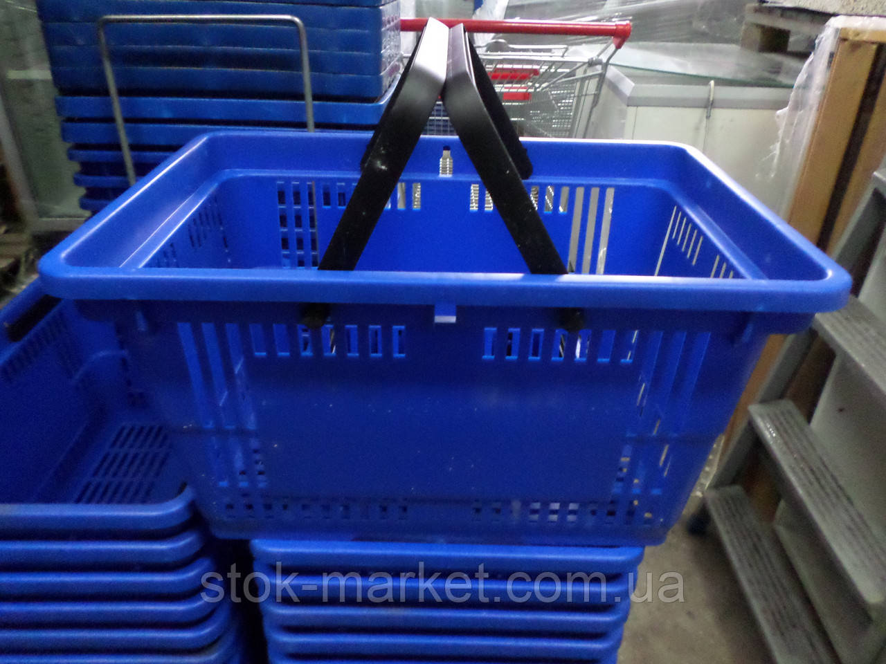 Корзина пластиковая покупательская 28 л, корзинки покупательские бу, корзинки самообслуживания 28 л. бу.