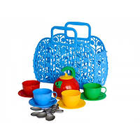 Детская корзинка с набором посуды