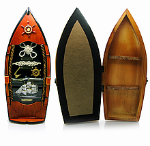 Деревянная ключница Лодка