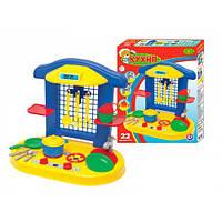 Детская игрушечная кухня