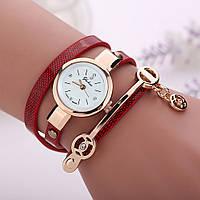 Женские часы-браслет на длинном ремешке (красные)