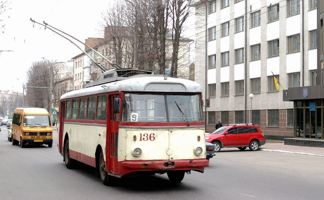 Кто и сколько зарабатывает на поддельных талончиках для общественного транспорта?