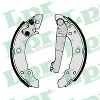 Тормозные Колодки PASSAT задние барабанные 200x30 AUDI 80 B1 PASSAT 1.3-1.6 05.73-07.80 811698525AV 811609527E 811698525AX 811698525AV 811609528E