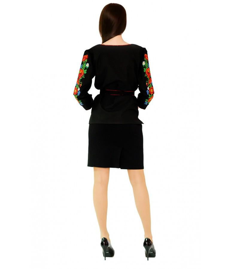 """Вышитая женская рубашка черная """"Маки"""" М-224"""