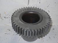Шестерня привод компрессора Дойц  04295536