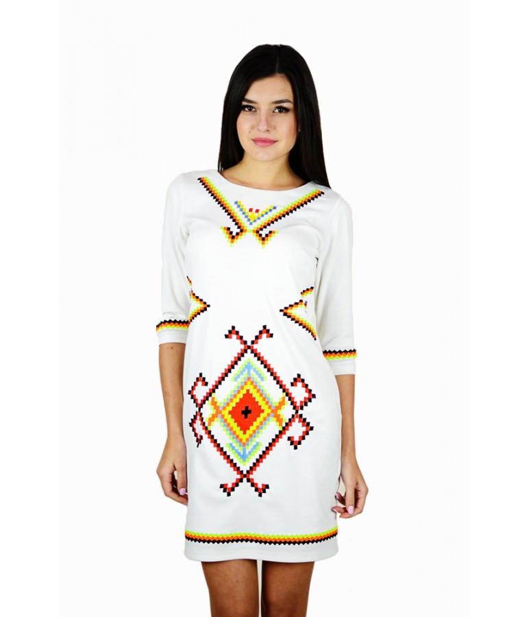 """Вышитое женское платье белое  """"Таврия""""  М-1055 42"""