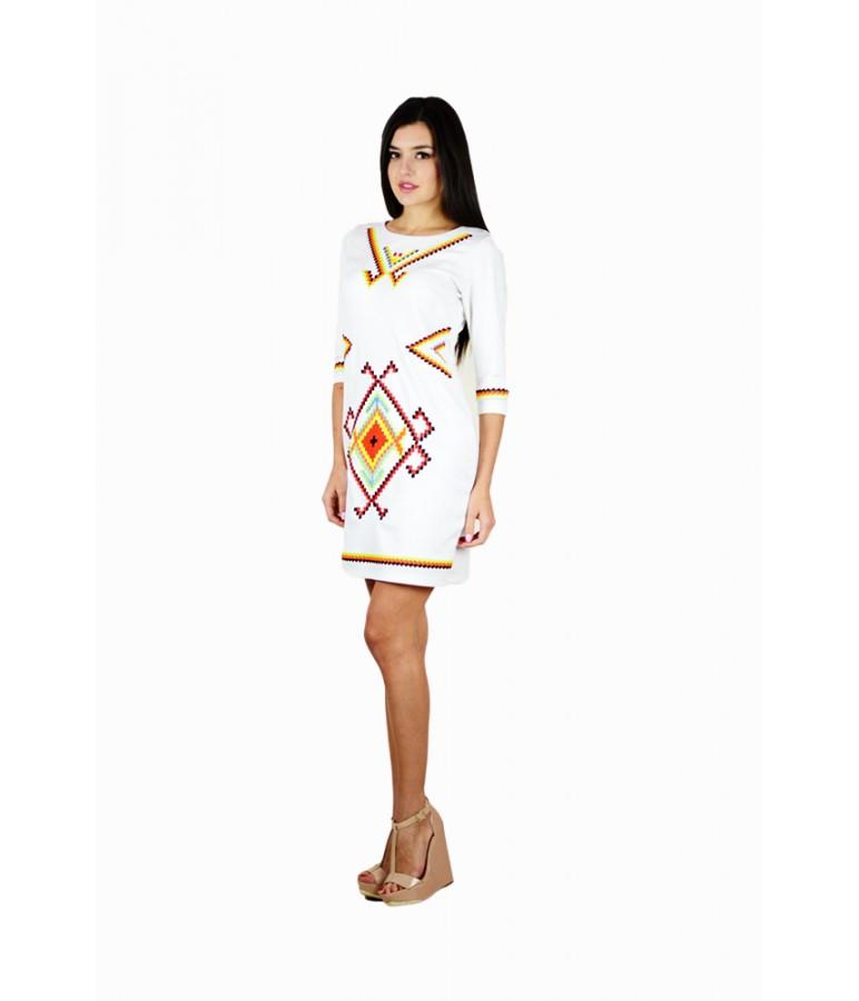 """Вышитое женское платье белое  """"Таврия""""  М-1055"""