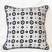 Подушка декоративная  Кольца черно-белая
