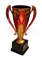 Кубок средний h- 31 см, d- 10,5 (пластмасса)