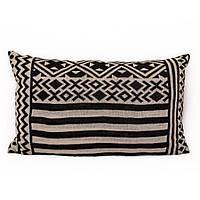 Подушка декоративная с геометрическим рисунком