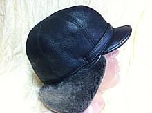 Мужская  ушанка из  натуральной овчины с козырьком 58