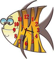 Часы настенные фигурные 30*32 см - Забавная рыбка 3D фотопечать