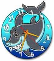 Часы настенные фигурные 30*34 см - Веселая акула 3D фотопечать