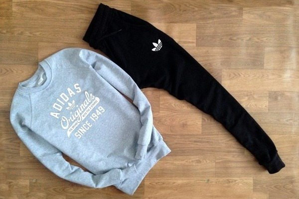 Cпортивный костюм Adidas Originals серо-черный топ реплика