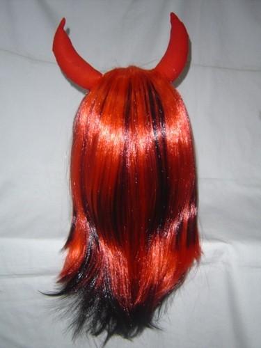 Парик Дьявола красно-черный с рогами.