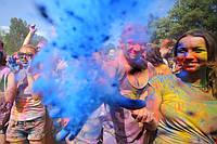 Фарба Холі (Гулал), Голуба, фасуваня 100 грам, суха порошкова фарба для фествиалів, флешмобів, фото
