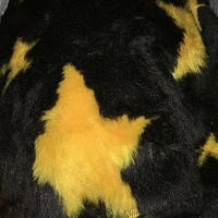 Чехлы универсальные искуственный мех желтые звезды /черный фон (полный комплект)