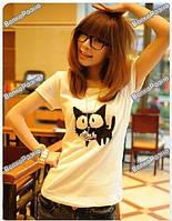 Женская футболка с котом белого цвета.